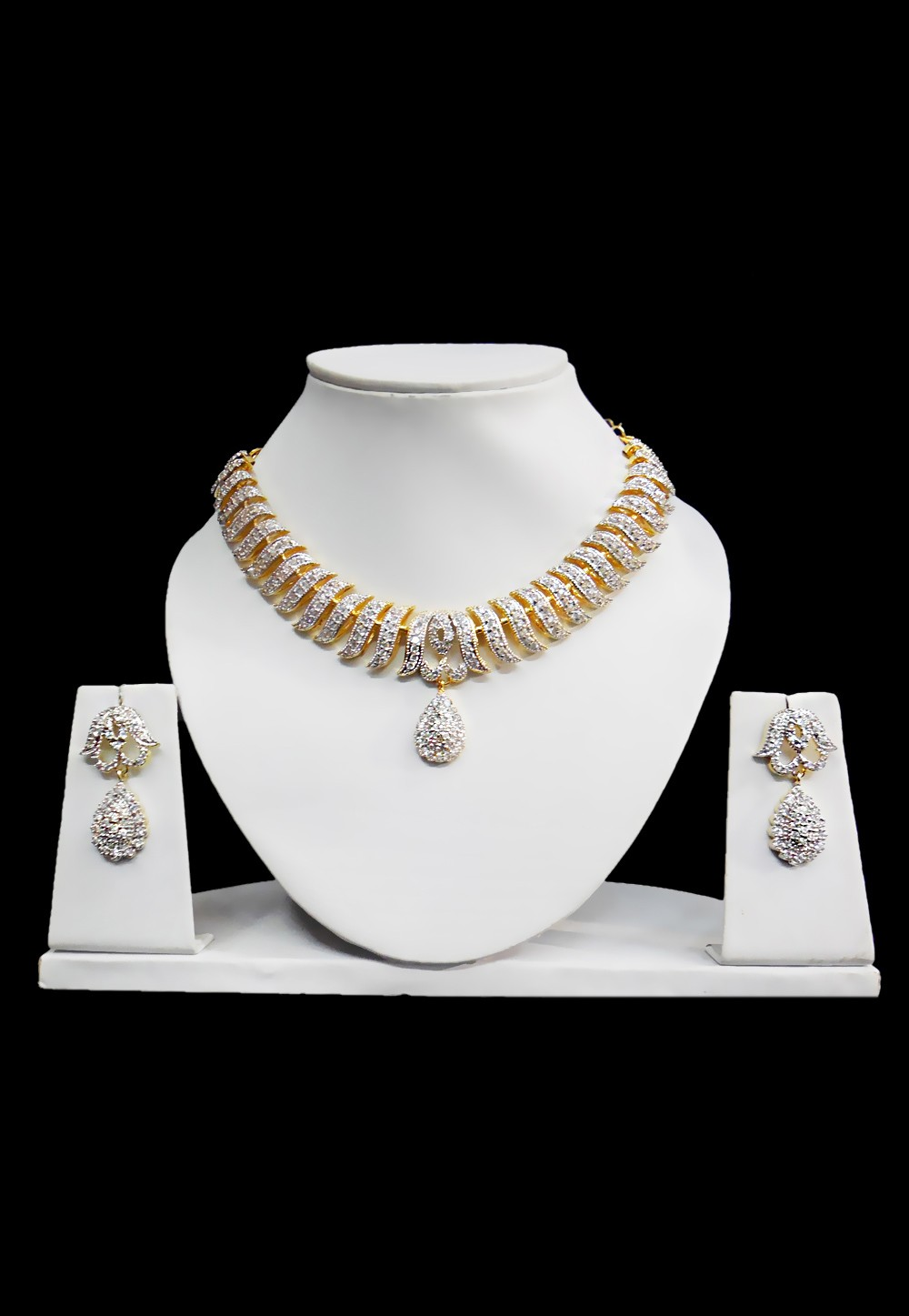 88e5af88024b2 American Diamond Jewelry: Sparkling Option Prices Below Your ...